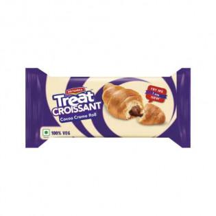 Britannia Treat Croissant Cocoa Creme Roll / Cake: 45 gms